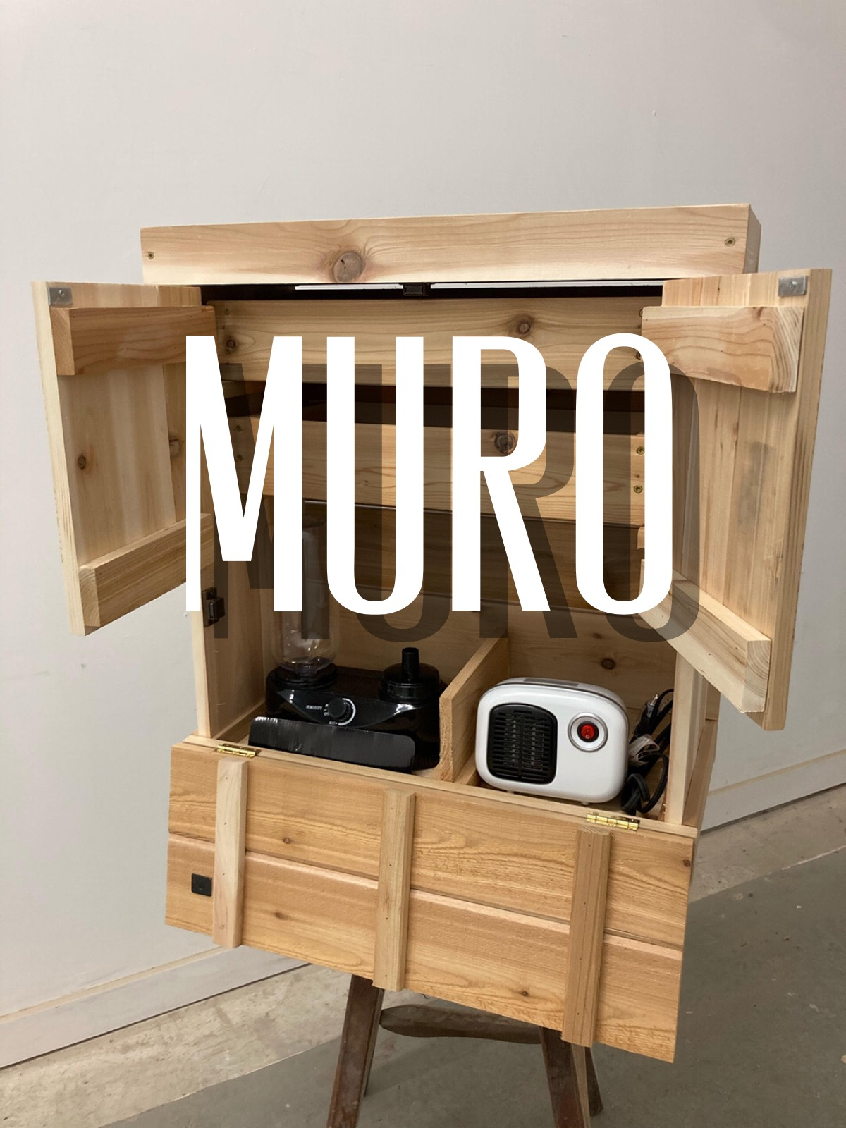 Muro cabinet with doors open